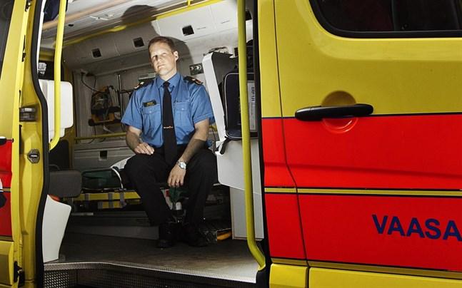 I väntan på att ambulansen kommer kan lokala frivilliga grupper för första delvård göra stor nytta, konstaterar Tom Smedlund vid räddningsverket, som nu hoppas att en grupp kan startas även i Kaskö.