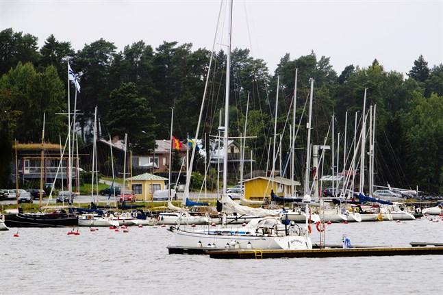 Vasa stads gästhamn på Vasklot sköts av Wasa Segelförening.