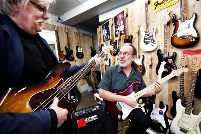Markku Lönngren och Hannu Lindblom är två av originalmedlemmarna i St Marcus Bluesband.