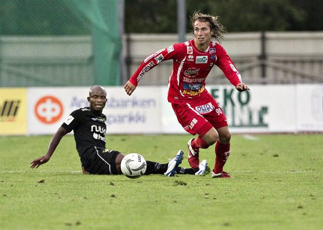 Patrick Byskata gjorde ligadebut i Jaro 2011 och inleder nu tio år senare sin tredje session i klubben.