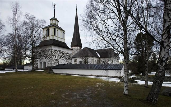 Kyrkoherdetjänsten i Pedersöre ledig att sökas på nytt.