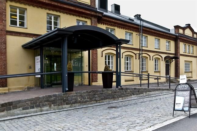 Med hänvisning till museet anhåller man om undantagslov för en servicebyggnadi Inre hamnen. Men inte behöver ju museet utetoaletter! Museet har redan fungerande toaletter inomhus, påpekar Sirpa Sainio.