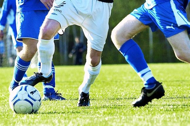 Distriktets seniorserier i fotboll kan tidigast starta i juni.