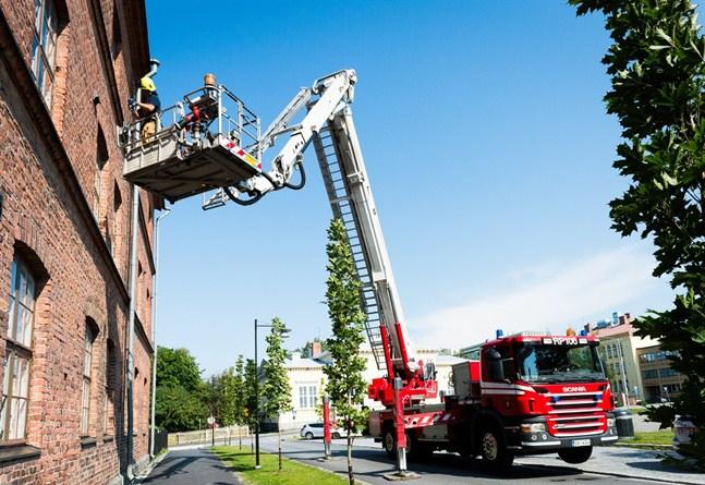 Arkivbild/ Räddningsverkets hävare (skylift).