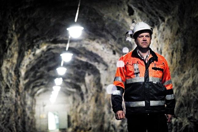 Under terminalchef Johan Österbackas tio år i Kanäs har oljelagret haft en hyresgäst i åtta år. Nu förs förhandlingar med en ny hyresgäst då Intertank Nordic efter tre år tackat för sig.