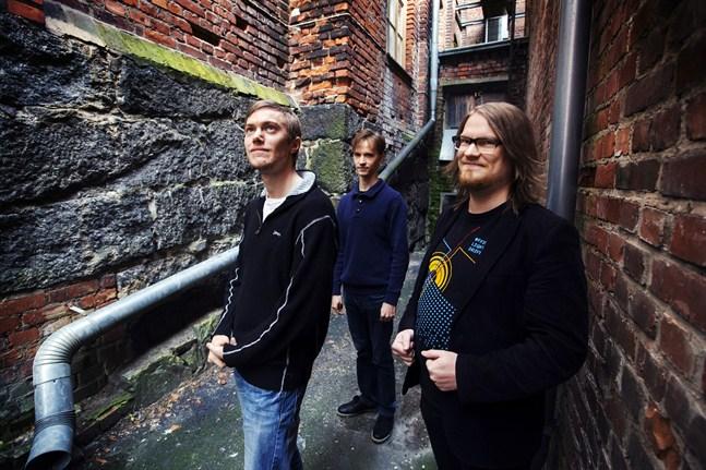 Joel Hietanen, Alexander Nybond och Sampo Rintanen utvecklar spel tillsammans.