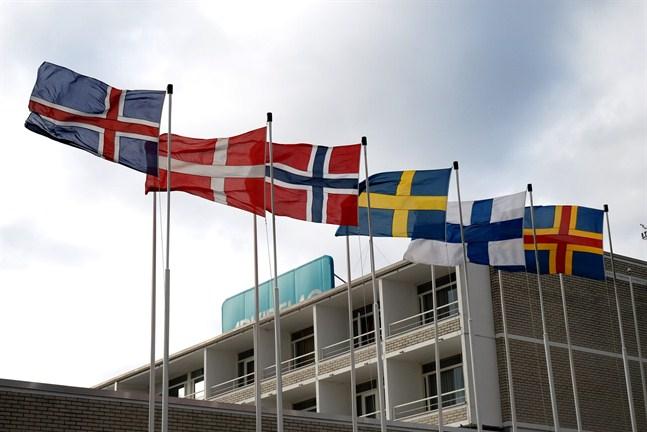 Misslyckandet med att hantera coronakrisen gemensamt är enligt forskare Johan Strang ett tecken på att samarbetet i Norden inte fungerar som vi trodde.