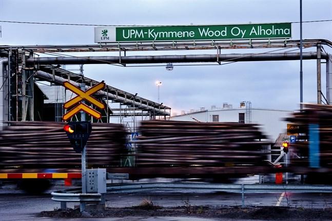 Alholmens såg berörs både av Industrifackets strejk och arbetsgivarsidans blockad. Strejken inleds den 9 december ifall den blir av.