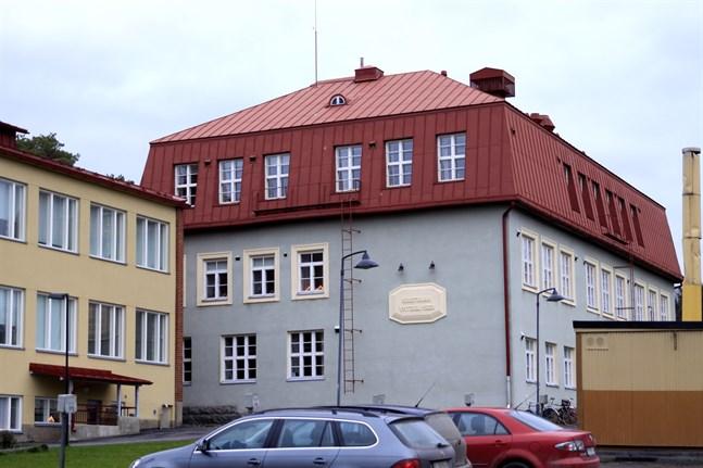 Finska gymnasiet i Kristinestad är i landskapstopp i STT:s jämförelse.