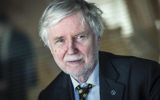 Den även litterärt aktive Erkki Tuomioja har utkommit med ett nytt alster.