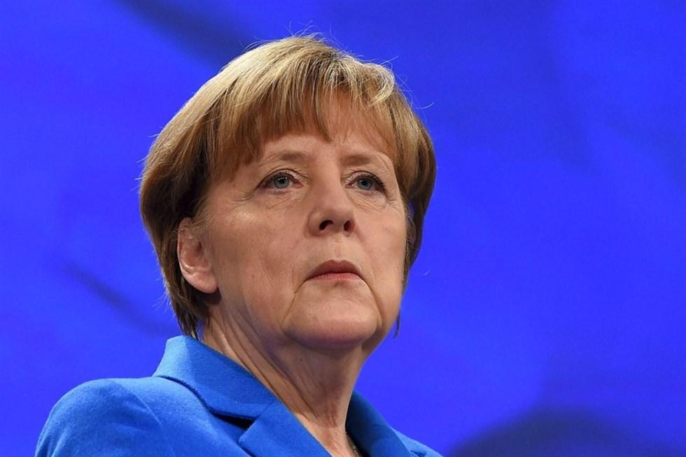 Merkel mjuknar om homoaktenskap