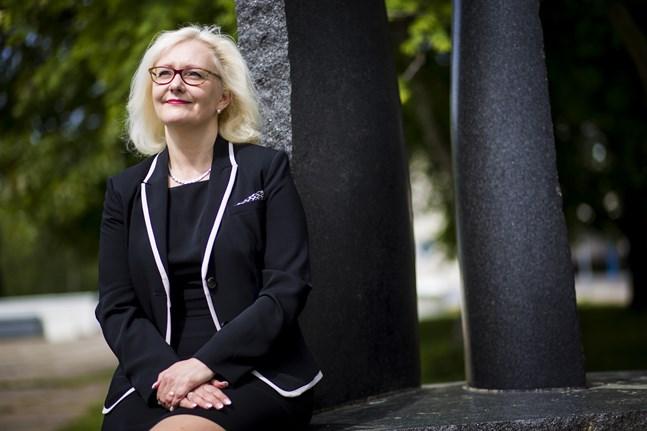 Åsa Stenbacka, rektor för Vasa yrkesinstitut, säger att stängning är rätt beslut.