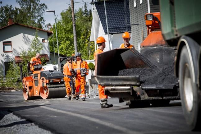 Nya gator är dyra. Vasa söker därför helst nya egnahemstomter där gatorna redan finns.