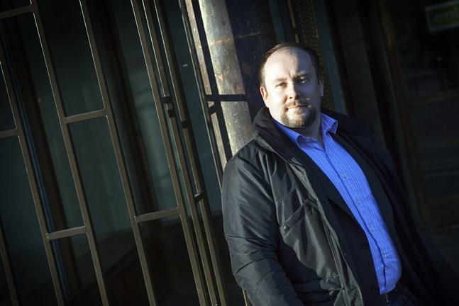 Micael Westerholm, sannfinländare från Korsholm, tycker att beslutet att häva regeringssamarbetet är uselt.