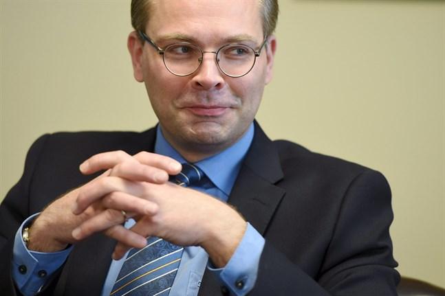 Försvarsminister Jussi Niinistö