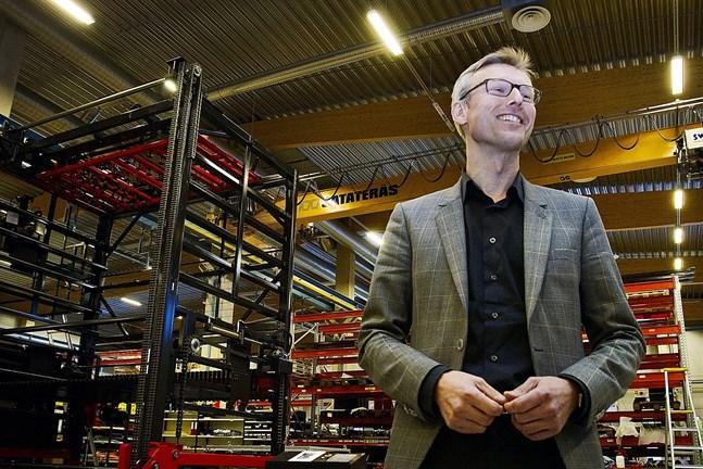 Efter att tidigare ha arbetat för lokalt ägda familjebolag som KWH Mirka och LKI Käldman har nu Tom Nordström investeringsbolaget Sponsor Capital som majoritetsägare.