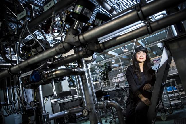 """Hiroko Tsuchimoto i den miljö där hon ska göra """"Fading Smoke""""."""
