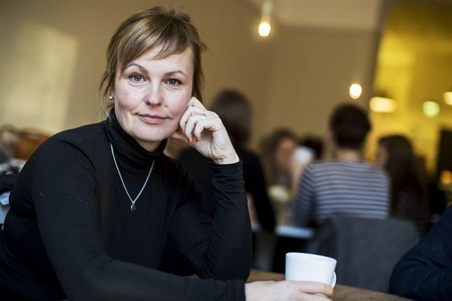 Sara Jungersten söker sig ofta till ett café för att skriva.