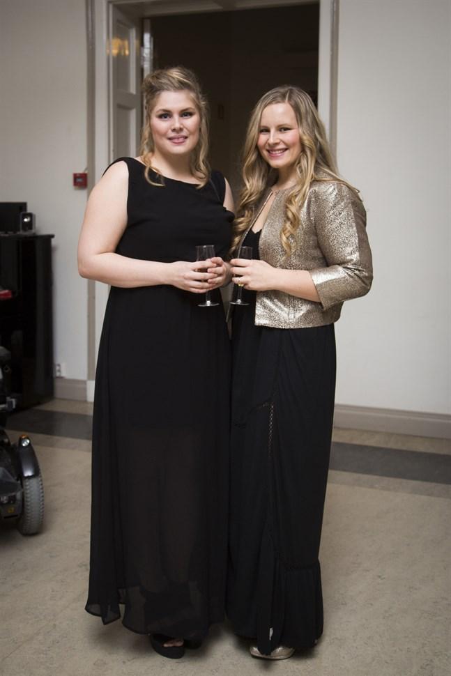Systrarna Julia och Malin Andersson.