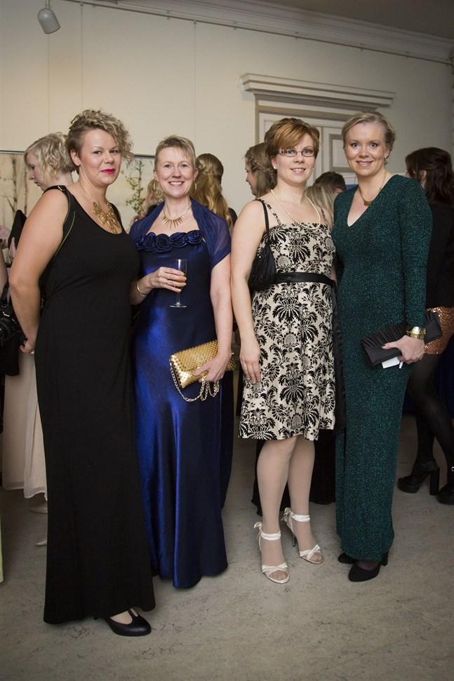 Sabina Forsbacka, Yvonne Näsman, Linda Holm och Linda Antus.