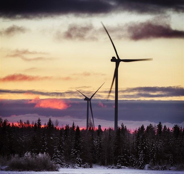 Det verkar som om Katternötidningen vill få läsarna att tolka det som att mer kärnkraft behövs om man bygger mer vindkraft, skriver Mika Granbacka.