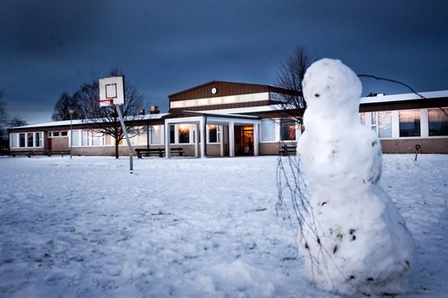 Sedan början av året är gymnastiksalen i Jeppo-Pensala skola stängd. Inomhusluften i hela skolan undersöks.