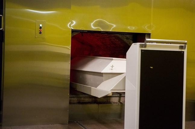 Ett krematorium i Karleby har länge varit efterlängtat. Nästa år startar bygget. Bilden är från krematoriet i Vasa.