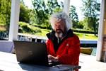 Juli. Belgaren Frédéric Nomade en Mer gjorde ett stopp i Kaskö på sin kanotfärd och vandring till Nordkap. Frédéric lämnade allt bakom sig för några år sedan och har sedan dess levt ute i det fria.