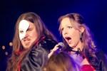 Mars. Emma Backman och Antti Railio var två av artisterna i Närpes skolmusikkårs Musical show.