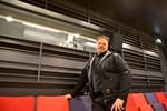 Januari. Närpes fick en bio igen när Johnny Södergård började sköta projektorn i Mitt i stan-huset.