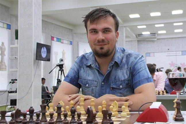 Ivan Bukavsjin fick titeln stormästare 2011. Foto  Lehtikuva AFP d0364ee4715ae
