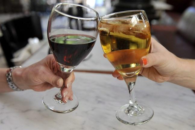 Alko har undersökt alkoholförsäljningen under sommaren.