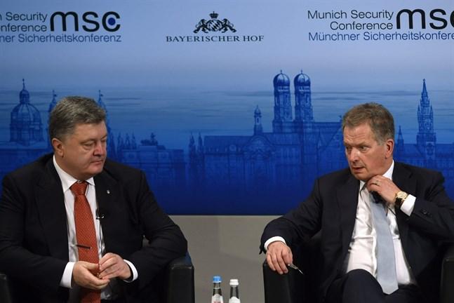 Ukrainas president Petro Poroshenko och president Sauli Niinistö träffades på säkerhetskonferensen.