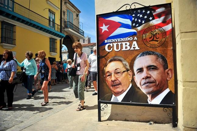 """""""Välkommen till Kuba"""". Under sin tid som president i USA lyfte Barack Obama en del sanktioner mot Kuba och gjorde ett historiskt besök."""