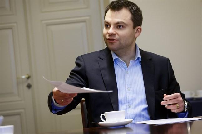 Kristian Ranta, chef på Nordea i Vasa, säger att Nordea har beviljat fler bostadslån i vår än motsvarande tid i fjol.