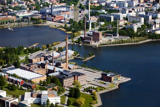 Frågan om vilken stad som skall vara Vasa läns huvudort utgår från gamla tiders tankesätt där regioner och städer ställdes mot varandra, skriver Matias Mäkynen. Bilden visar delar av Vasa.