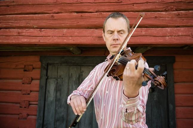 Mikael Fröjdö anser att man inte kan nöta ut Evert Taubes musik.