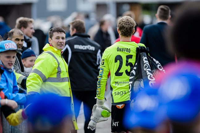 Som ordningsman får vi möjligen ännu se Niklas Storbacka, men inte som styrelsemedlem.