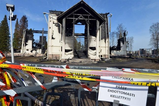 Kyrkan i Ylivieska brann ner på påskafton i år.