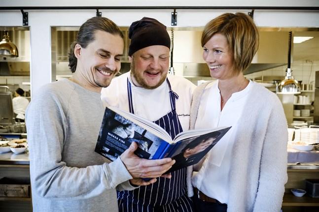 Fotografen Linus Lindholm, skribenten Linda Forth och Michael Björklund.