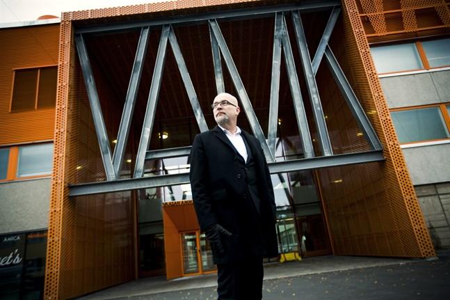 Tauno Kekäle har sagt upp sig från Vasa yrkeshögskola, som nu söker ny rektor och vd.
