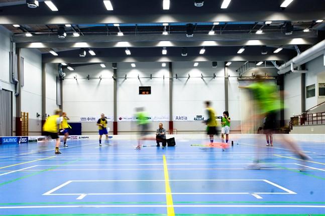 En idrottshall i Replot skulle göra gott för idrottsmöjligheterna i skärgården under vinterhalvåret. Bilden är tagen i Stjärnhallen i Nykarleby.