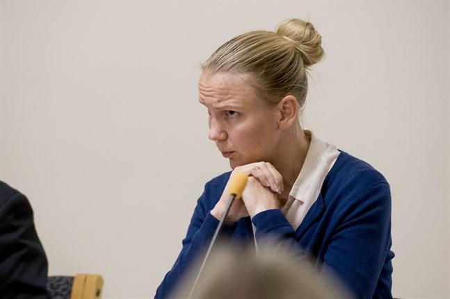 Malin Brännkärr säger att hon kritiserade texten för den snäva bild den gav. Hennes avsikt var inte att stoppa det fria ordet.