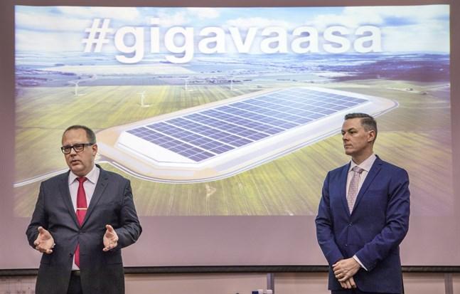 Stadsdirektör Tomas Häyry och Toni Laturi presenterade Gigavasa-projektet dagen före självständighetsdagen år 2016, det har nu snart gått tre år sedan dess.