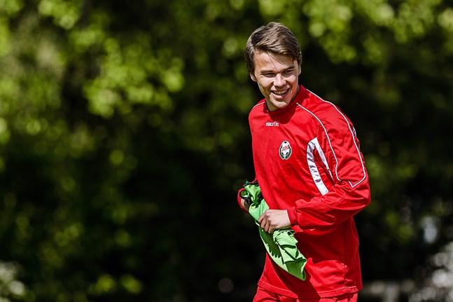 Simon Skrabb är nu klar för Brescia.