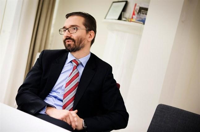 SFP:s partisekreterare Fredrik Guseff besökte Vasa på tisdagen.
