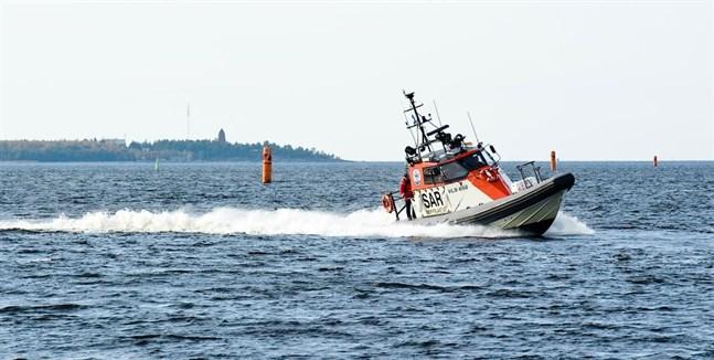 Två båtar krockade utanför Karleby på lördagen.