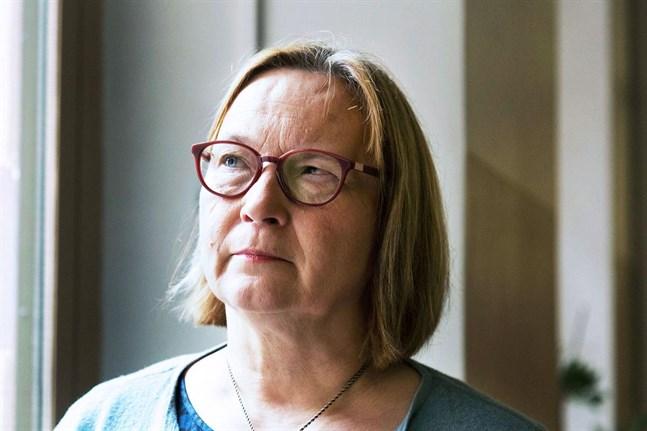 I Jakobstad ser man över vilken personal det finns inom olika sektorer, som även har en vårdutbildning, säger stadsdirektör Kristina Stenman.