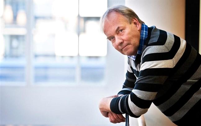 Peter Albäck når rubrikerna igen. Det är inte första gången som hans språkbruk kritiseras.
