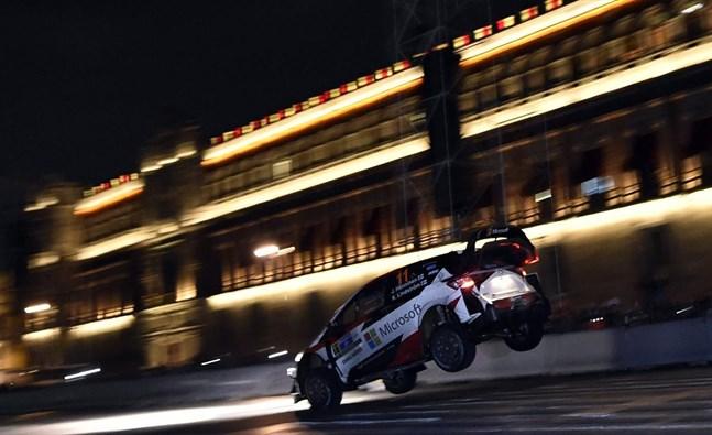 Juho Hänninen höll bra fart när VM-rallyt i Mexiko inleddes.